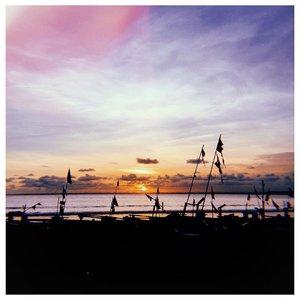Breathtaking view. Perfectly ✨...#clozetteid #whenthetimestops #pangandaran #starclozetter #wonderfulindonesia #fromwhereistand #acolorstory #lifeisbeautiful #sunsetview #abmlifeiscolorful #wonderful_places