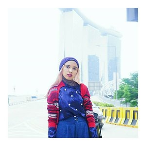 Yeay, Its friday night! This is the closer look from my sporty chic featuring @encycloid cardigan. Have you got the cardigan yet? Just click link in my bioOh, I wore my DIY pompom shirt. Its easy to make (without sewing). Just go to my blog and find DIY in Fashion section#ClozetteID #whatwelike #encycloid #sportychic #abmlifeisbeautiful #abmlifeiscolorful #vibrantcolor #fashionblogger #starclozetter