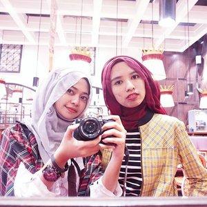 Tartan Invasion, red and yellow 💂#ClozetteID #HijabFashion #EncycloID