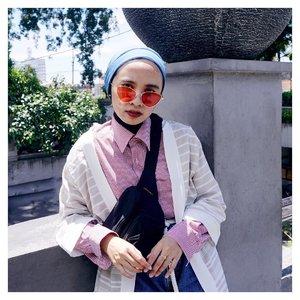 Yes darling, may I help you?...#clozetteid #acolorstory #abmlifeiscolorful #starclozetter #strollingaroundthecity #abeautifulmess #hijabi #turbanstyle #fashionblogger #lifeisbeautiful #ootdfashion #weekendvibes #hijabdaily #ggrepstyle #chictopia #hijabinstyle
