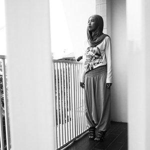 Rainy days lately.. #DandanSenin @dandansenin #ClozetteID #ootd #hotd #heretwoinspire #hijabchic