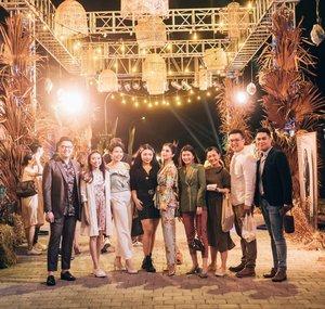 Congratulation again @biehintailor Yesterday was awesome!Pst... Coba d zoom de. Kliatan kath g bs ngelepasin babi kath @perfectgourmet 🐒🐒.....#bloggerindonesia #lookbookindonesia #beautyguru #beautyvlogger #beautyblogger #clozetteid #bloggerstyle #fashionblogger #fashionstylea #fashionindo #indonesianbeautyblogger #indonesian_blogger #indonesiabeautyblogger #youtubeasia #youtuberindonesia #clozetteambassador