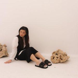 New obsessed!!Kathee in black#wearKAPSOORA #KapsooraEidEdition#newnormal #lookbookindonesia #beautyguru #beautyvlogger #beautyblogger #clozetteid #bloggerstyle #fashionblogger #fashionstyle #fashionindo #indonesianbeautyblogger #indonesian_blogger #indonesiabeautyblogger #youtubeasia #youtuberindonesia #clozetteambassador