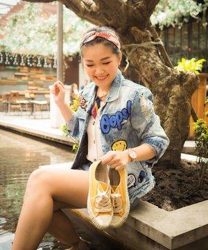 Bekas kemarin!! #soireebywishwatch #Timeisprecious with @wishwatch.id  Nyemplung d kolam @domicilesby . . . Headpieces @dtw.accessories Inner @cottonfield_id 📸 @devolyp . . . #bloggerindonesia #lookbookindonesia #beautyguru #beautyvlogger #beautyblogger #clozetteid #bloggerstyle #fashionblogger #fashionstylea #fashionindo #indonesianbeautyblogger #indonesian_blogger #indonesiabeautyblogger #youtubeasia #youtuberindonesia #clozetteambassador #beautyindonesia #indobeautygram#stylehaul #cgstreetstyle #ggreptrend #ggrep #ootd