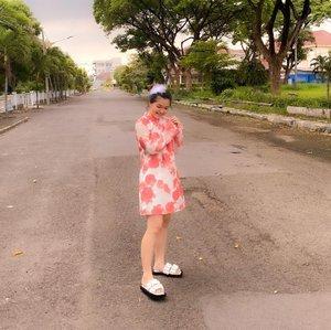 Putri bulu penjaga bamboo turun buat nangkep kebo emas!!🥳🥳🥳 gongxi gongxi 🥳🥳🥳Dpotoin suami @santoso18#newnormal #lookbookindonesia #beautyguru #beautyvlogger #beautyblogger #clozetteid #bloggerstyle #fashionblogger #fashionstyle #fashionindo #indonesianbeautyblogger #indonesian_blogger #indonesiabeautyblogger #youtubeasia #youtuberindonesia #clozetteambassador