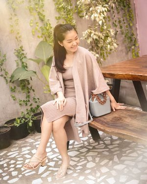 New light and new sides!!!My set and bag from @grandy_shop OF COURSE!!!❤️❤️❤️❤️...📸 @wulanwu#bloggerindonesia #lookbookindonesia #beautyguru #beautyvlogger #beautyblogger #clozetteid #bloggerstyle #fashionblogger #fashionstylea #fashionindo #indonesianbeautyblogger #indonesian_blogger #indonesiabeautyblogger #youtubeasia #youtuberindonesia #clozetteambassador
