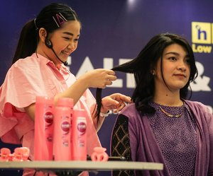 Satu kata! Seru abis!!!My hair styling with @sunsilkid and @hypermart_id Thank you juga @famousidnetwork 😘😘....#rambutbadai #bloggerindonesia #lookbookindonesia #beautyguru #beautyvlogger #beautyblogger #clozetteid #bloggerstyle #fashionblogger #fashionstylea #fashionindo #indonesianbeautyblogger #indonesian_blogger #indonesiabeautyblogger #youtubeasia #youtuberindonesia #clozetteambassador #beautyindonesia #indobeautygram#stylehaul #cgstreetstyle #ggreptrend #ggrep #ootd