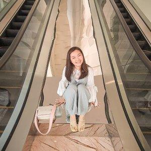 Unique syandals patut diapresiasi from @pomelofashion Kath banget. Neon colorr.. �🤩�Mumpung 12.12 ni. Buruan shopping twimee..... ..#trypomelo #pomelofashion #pomeloindonesia #lookbookindonesia #beautyguru #beautyvlogger #beautyblogger #clozetteid #bloggerstyle #fashionblogger #fashionstylea #fashionindo #indonesianbeautyblogger #indonesian_blogger #indonesiabeautyblogger #youtubeasia #youtuberindonesia #clozetteambassador #zalorastyleedit