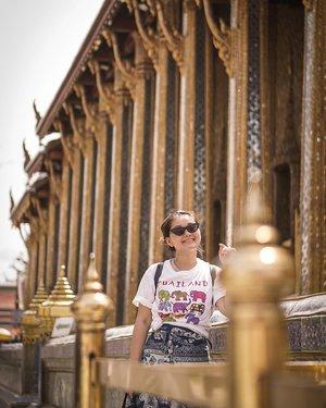 Being tourist at bangkok be like 💖🤩💖.....#lookbookindonesia #beautyguru #beautyvlogger #beautyblogger #clozetteid #bloggerstyle #fashionblogger #fashionstylea #fashionindo #indonesianbeautyblogger #indonesian_blogger #indonesiabeautyblogger #youtubeasia #youtuberindonesia #clozetteambassador #bangkokthailand #kathliday