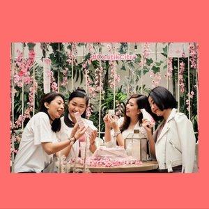 Ini @cantikcitra squad ku!  Ga sabar nyoba langsung rangkaian baru dari Citra! Moisturizer tapi powder finish? What??? Mgkn kita sudah dapat solusi untuk masalah yang kita pasti hadapi di indonesia yg humid banget!  Stay tune ya. 😘 . . . #cantikcitra #makeyourowncitra #citraxclozette #clozetteid #clozetteambassador @clozetteid . . . #bloggerindonesia #lookbookindonesia #beautyguru #beautyvlogger #beautyblogger #clozetteid #bloggerstyle #fashionblogger #fashionstylea #fashionindo #indonesianbeautyblogger #indonesian_blogger #indonesiabeautyblogger #youtubeasia #youtuberindonesia #clozetteambassador #beautyindonesia #indobeautygram#stylehaul #cgstreetstyle #ggreptrend #ggrep #ootd
