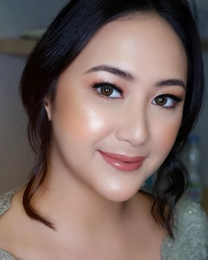 a glowing look for this glowing girl @dinar.amanda ✨The products I use :Toner @bioderma_indonesia Lipbalm and Lotion @nuxeindonesia Serum @esteelauderid Primer @klaracosmetics_id Foundation @shiseidoid @shuuemura Blush stick @rollover.reaction Eyeshadow & Concealer @urbandecaycosmetics Eyebrow kit @makeoverid Powder blush @shiseidoid Loose powder @lancomeofficial Highlighter @sorchacosmetic Eyelash @blinkcharm Lipstick @guerlain.id Lipgloss @diormakeup Setting spray @studiotropik