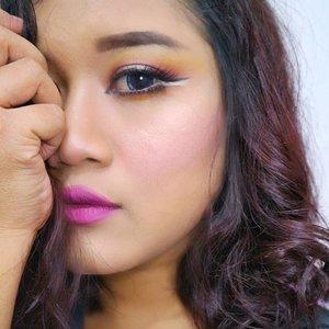 Sunset eye makeup  Eyeshadow by @juviasplace  #me #beautybloggers #sunseteyeshadow #eyemakeup #eotd  #kbbvfeatured #clozetteid #makeupartist #makeupartistdoha #qatarmakeupartist #undiscoveredmua #asiangirls #shorthairgirls #yukalicious15