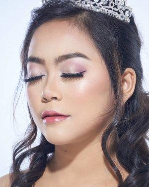on your Wedding Day,  u should look like yourself at your most Beautiful.  makeup by @makeupbyyanthi  muse by @zikrieruford  photo by @alvin.photography  #makeup #makeupartist #makeupartistdoha  #dohamakeup #dohamakeupartist #makeupartistworldwide #wakeupandmakeup #undiscoveredmuas_  #qatarmakeupartists  #indonesianmakeupartist #indobeautygram #weddingjakarta #tampilcantik #muajkt #glam #glambeauty #clozetteid  #makeupbyyanthi