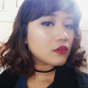 Red lips 👄  #me #beautybloggers #kbbvfeatured #clozetteid #morning #makeupartist #makeupartistdoha #hangout #asiangirls #shorthairgirls #yukalicious15