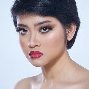Confidence breeds Beauty.  makeup by @makeupbyyanthi  muse by @shinri_tsukiko photo by @alvin.photography  #makeup #makeupartist #makeupartistdoha  #dohamakeup #dohamakeupartist #makeupartistworldwide #wakeupandmakeup #undiscoveredmuas_  #qatarmakeupartists  #indonesianmakeupartist #indobeautygram #weddingjakarta #tampilcantik #muajkt #glam #glambeauty #clozetteid  #makeupbyyanthi