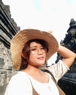 perfect sunlight in borobudur... #myvacation #clozetteid #summervibes☀️ #borobudurtemple