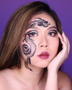 You must have a dragon hidden inside you. When you need, you let the dragon out 🖤 . . . . . . . . . . . . . . . #artmakeup #makeupart #facepaintersofinstagram #dragonmakeup #clozetteid #makeup #wakeupandmakeup #colorfulmakeup #beautybloggers #makeuptransformation #100daysofmakeup #bunnyneedsmakeup #ragamkecantikan #makeupinspo #undiscoveredmuas #makeupaddict #fantasymakeup #creativemakeup #faceart #makeupillusion #artisticmakeup #facepaint #facepainting #makeupartistry #instamakeupartist #makeupideas #zonamakeupid #makeupindo #bvloggerid