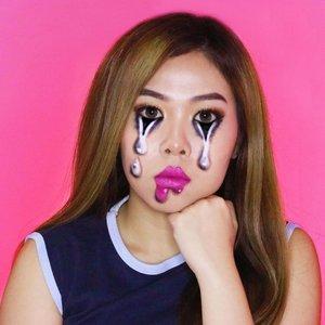 You smile, I melt 🔥 . . Product Details: SOON . . Inspo: @makeupbysantaa 👑 . . . . . . . . . . #illusionmakeup #illusion #makeupart #meltingmakeup #clozetteid #makeup #wakeupandmakeup #colorfulmakeup #beautybloggers #makeuptransformation #100daysofmakeup #bunnyneedsmakeup #ragamkecantikan #makeupinspo #undiscoveredmuas #makeupaddict #fantasymakeup #creativemakeup #faceart #makeupillusion #artisticmakeup #facepaint #makeupartistry #instamakeupartist #colorfulmakeup #makeupideas #zonamakeupid