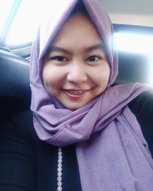 It's been a while since my last selfie. (Selfienya kapan, ngepostnya kapan) . ------- . #selfie #clozetteid #clozette #hijab #ootd #hotd #ootdhijab #makeup #nomakeupmakeup #girl #naturaleyebrow #oppof1s #liveauthentic #livefolk #livefolkindonesia #likesforlikes #likeforlike #like4like #peopleinframe #sharethemoment #dibuangsayang