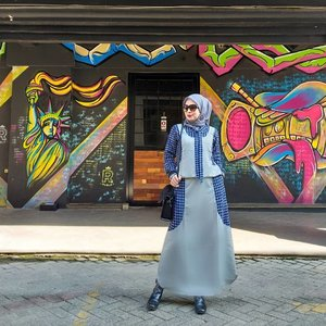 """the joy of dressing is an art""...#clozetteid #fashionhijab #bloggerstyle #hijabstyle"