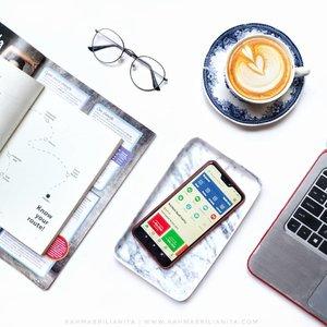 Nggak pernah nyangka, yang dulunya aplikasi buat pesen ojek online, sekarang malah bisa jadi dompet digital. 🏧⠀⠀Yha, @gojekindonesia adalah aplikasi buat pesen ojekonline, yang kini layanannya udah merembet ke mana-mana. Salah satu layanan unggulannya adalah fitur dompetonline-nya yang disebut GoPay. 💰⠀⠀GoPay ini awalnya cuma semacamcreditatau pulsa biar memudahkan pembayaran ketika pesen ojekonline. Sekarang GoPay udah bisa melakukan banyak transaksionline mulai dari memenuhi tagihan bulanan, sampe memenuhi isi perut tiap harinya lewatorder-an GoFood-nya.🍑⠀⠀Sepraktis itu sekarang ini, melakukan transaksi dengan dompet digital GoPay. Gopay ini bisa banget memanjakan sobat cashless dengan promonya yang bikin candu dan segala kepraktisannya. Cerita soal per-GoPay-an ini udah tumplek blek Barbara tulis di blog ~ link ada di bio 🙌🏻⠀⠀Hayoo~ gimana rapot bulanan GoPay-nya ... Jajann apa ajaa 🧘🏻♀️⠀⠀#Clozette ⠀#Clozetteid⠀#RahmaBrilianita⠀⠀