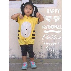 Happy national children day!Lindungi anak-anak dari kekerasan dan pelecehan seksual yang akhir-akhir ini banyak terjadi. Anak-anak adalah malaikat kecil, yg harus kita lindungi dan sayangi. Bukan eksploitasi atau eksekusi, miris denger berita anak kelas 6 SD jadi PSK 😢 tega bener 😭 hiks #ClozetteID #mingxia #asianbaby #asiankids #kidsoninstagram #cutebaby #cutekids #babygirl #babyoninstagram