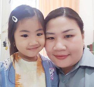 Selamat hari ibu buat semua ibu di dunia, maafkan ga punya proper foto sama #Mingxia hahahaa soalnya tadi buru2 berangkat kerja dan si unyil masih libur sekolah 😂 ya saya adalah ibu bekerja, semoga udah ga ada lagi steretype ibu macam apa yang dianggap paling baik ibu bekerja atau ibu rumah tangga. Karena apapun keputusan kita, pastinya adalah yang terbaik buat buah hati kita, setuju?  #ClozetteID #instabeauty #indonesiablogger #indonesiabeautyblogger #bloggerBDG #bloggerlife #bloggerbandung #bloggerindonesia #bloggerceria #indonesianfemalebloggers #emakblogger #mommyblogger #beautybloggerindonesia #indobeautygram #bbloggers #bbloggerslife #BloggerPerempuan #like4like #follow4follow #followforfollow #likeforlike #likeforfollow #happymothersday #StarClozetter #ClozetteStar #selamathariibu