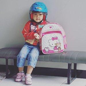 Calon endorser 😂😂😂😂 #mingxia #kids #baby #babygirl #cutebaby  #cutekids #asianbaby #ClozetteID #instabeauty #indonesiablogger #indonesiabeautyblogger #bloggerBDG #bloggerlife #bloggerbandung #bloggerindonesia #beautyblog #beautyblogger #beautybloggers #beautybloggerbandung #beautybloggerindonesia #bblogger #bbloggers #bbloggerslife #BloggerPerempuan