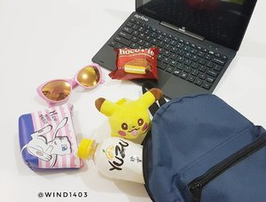 Yay I'm ready to catch digimonster with my cute pokemon plushie, some snack and drink. Dont forget to bring your pokemon mini pouch to made your day 😍 #PokePouch #YumeTwins