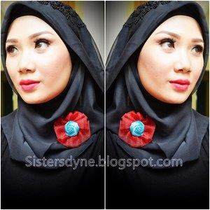 Gimana sich cara countouring? Gimana sich cara highlighting? Sama, kami juga masih belajar^^ Nah.. Mari kita sama2 belajar bagaimana belajar ber-makeup.. Ada sedikit step by step picture tutorial nya di new post blog kami, sekalian review sebuah conceal yang oke buat kami belajar countour and highlight.. Check link bio  #Clozette #ClozetteID  #MakeUp #Beauty #Selfie #Hijab #Countour #Highlight #Tutorial #L.A.GirlCosmetic #DASistersBlog #DASisters  #BeuatyInsta #BeautyInstagram #BeuatyShare #BeautyBlog #BeautyBloggerIndonesia #IndonesianBeautyBlogger #FOTD #FotdIBB