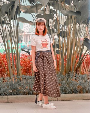 The beginning is always tough, but tough times dont last, tough people do yashhh  Oh #HelloFriday, im ready for this... Do you?  Semangattttt🙏🤗❤😊 #clozetteid . . . . .  #ootdindo #throwback #tb #lightroom #photography #tapfordetails #goodambience #igfashion #featuredpalette#sonyindonesia #primelens #wiwt #vintageedit  #GlowliciousMe_Wear#wiwt #wiwtindo #potd #potdindo #postthepeople #lookbook #lookbookindo #lookbookindonesia #ootd