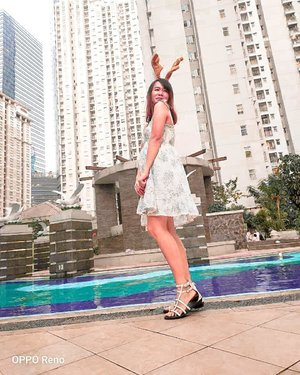 - - - Always look on the bright side🤗�🤩 Good morning! . Ps. This photo taken by #opporeno at 6.15 pm . . .  #beautyblogindonesia #jakartabeautyblogger #clozetteid #sociollablogger #altheaangels #beautyupdates #bloggermafia #beautybloggerindo #bodytransformation #makeupcommunity #bloggerlife #bloggingcommunity #wiwt #dressbiru  #makeupindonesia #tampilcantik #ragamkecantikan #beautynesiaMember #indonesianbeauty  #GlowliciousMe_Wear  #ipreview via @preview.app