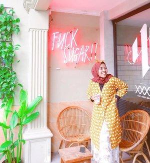One little coffee shop i've become very fond of 💕 nyaman banget tempatnya dan ada es kopi susu baileys enyak!!.So, u fancy a coffee date? #whatzunawears #monkistyle #clozetteid #mystylingideas...#kafesurabaya #exploresurabaya #cuteplacesurabaya #visitsurabaya #placetogosurabaya #nongkrongsurabaya #ootdfashion #lifestyleblogger #fashionblogger