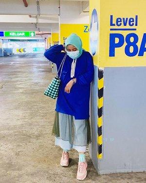Foto sih banyak. Postingnya yang males 🙇🏻♀️ #whatzunawears . . #clozetteid #whattowear #hijabdaily #hijabstyle #fashionhijab #ootdhijab #mystylingideas