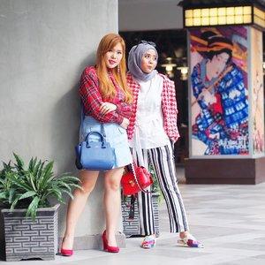 My very best shopping companion. Yang kalo ketemu outfitnya selalu setema padahal ga janjian 😅 @chelsheaflo ps: kemarin sebelum pulang aku balik lagi loh ke Stradivarius buat beli kado (last minute decision). Udah kukasih juga dan ternyata aku ngga dicengin 😁😁 #lykeambassador . #fashionfriends #ootd #ootdmagazine #lookbook #lookbooknu #aboutalook #styleblogger #fashionista  #ootdindo #lookoftheday #fashiondiaries #stylexstyle #peopleinframe #fashionlover #instafashion #wiwt #whatiwore #whatiweartoday #fashionblogger #streetstyle #bnw #blacknwhite #blogger #hijab #clozetteid