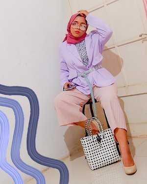 Happy midweek 💜 #whatzunawears . . #fashionhijab #hijabstyle #clozetteid #mystylingideas #ootdhijab