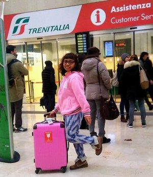 01.12.2016 . Arrived at Padova Station, Italy. . Life is a journey. Wear bright colors so you wouldn't get lost. . La vita è un viaggio pieno di colori. . #throwback #latepost #travel #traveldiary #travelblogger #travelwithheti #jalanjalan #trip #journey #viaggio #vita #trenitalia #stazione #padova #italia #europe #tourist #tourism #ootd #outfit #fashion #fashionblogger #fashiondiary #fashionstyle #travelinstyle #style #moda #inspiration #clozette #clozetteid