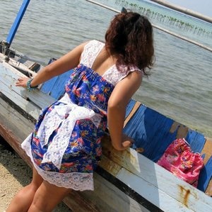 Cute sexy minidress. Wanna have it?  Info & order:  hevea.house@yahoo.com  Kawaii Summer Series. hevea by heti novela Look #1  Photo by: @pepeneisa Location: Indonesia  #kawaiisummerseries #kawaii #summer #carina #estate #hevea #hetinovela #fashion #style #fashionstylist #fashiondesigner #fashionblogger #fashioneditor #fashionbuyer #fashiondiary #lookbook #ootd #moda #stilista #bingata #limitededition #mykawaiistyle #beachwear #dress #minidress #clozette #clozetteid