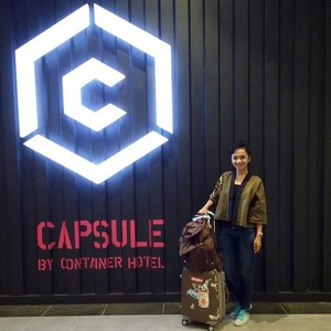 bye for now and in sha Allah see u again soon , Capsule @containerhotel 😊 well some of customer still make a noise inside.. wish they will have better common sense on their next transit.. 😝 #swanstwenty #clozette #clozetteid #clozettegirl #clozetteambassador #sofiadewitraveldiary #sofiadewifashiondiary #weekend #shortescape #funyourself #sundaymorning