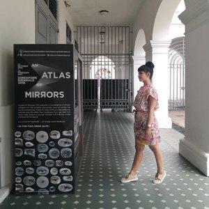 Sudah siap untuk Singapore Bienale 2016 .. main locationnya di SAM .. OK.. let's go! . . . . I made this simple dress myself.. @sofiadewi.co buat dateng ke Atlas of Mirrors .. special banget pakai batik dari @batiktukshop buatan mas @bagusgonk .. . . . 📸 By 💗 . . . . #sofiadewifashiondiary #singaporebienale2016 #clozetteid #lifestyle #fashionid #ootd #batiktuk #localproud #sofiadewico #singaporetrip2017 #visitsingapore #wearitloveit #designerlife #leica #leicalens #huaweip9 #clozetteambassador