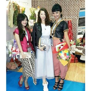 With darling @jenniferbachdim and @leonisecret at @swanstwenty booth at @indonesiafashionweek #IFW2015 after Ancore fashion parade, Day and Night Cantik Indonesia.. Thank you my dear, for all support.. Thanks for coming.. Yes we are @clozetteid ambassador.. Thanks #clozetteid for introduce me to them both ❤️ Hopefully this friendship last forever.. Amin!  #clozette #clozettegirl #clozetteambassador #swanstwenty #swanstwentymy #modernIndonesia #dayandnightcantikindonesia #cantikIndonesia #fashion #fashionid #lifestyleblogger #fashionblogger #beautyblogger #jakartaevent #clozettesisterhood