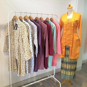 my latest collection .. kutubaru kurung at @swanstwenty ❤️🌸 special made for my hijab friends.. your size is my command.. come to our boutique .. Jl Gandaria I No.47 Kebayoran Baru - Jakarta Selatan 12130 .. I'll see you here .. #sofiadewifashiondiary #monday #kutubaru #fashionporn #swanstwenty #kutubarukurung #bajukurung #hijaber #hijaboutfit #butikjakarta #butikgandaria #clozette #clozetteid