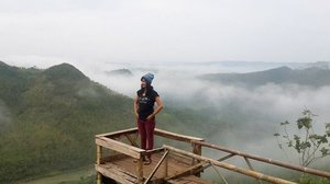 Good Morning! It'a a pre-workliday.. I have to stay close with the nature 🌸  have a good day, everyone! . . . . . . #aofiadewifashiondiary #sofiadewitraveldiary #sofiadewimudikdiary #bukitpanguk #bukitpangukkediwung #imogiri #yogyakarta #nature #holiday #clozetteid #eiger #xsml #casiobabyg #breaktimeid #travelblogger #indonesiatravelblogger #bblogid #bloggerbabes #clozetteambassador