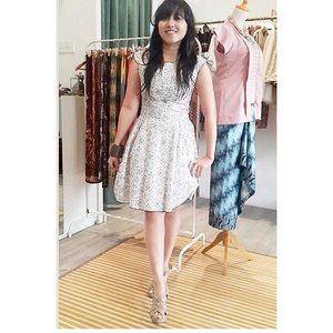 thanks mrs @deviblackid for shopping with us at @swanstwenty boutique ❤️❤️ you look gorgeous with our Sabrina dress (cotton) 😍😍 see u again your next visit.. you're always welcome.. #clozetteid #clozette #swanstwenty #butikjakarta #sofiadewifashiondiary #sofiadewiswanstwentydiary #butikswanstwenty #localbrandid #ootd #ootdindo #fashionworld #fashionid #fashion #friendship