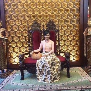 Modern look in Surakarta Heritage atmosphere... Happy Wedding, Puput ❤️ #sofiadewifashiondiary #sofiadewico #modernIndonesia #fashionid #fashionworld #clozette #clozetteid #IndonesianLook #fashionporn #ethnic #fashion #travel #travelling #clozetteambassador @clozetteid #batikchic #elegant #instastyle #instafashion #wearitloveit #lookbookindo #lookbookIndonesia #ootd #ootdindo #clozetteambassador #Indonesian