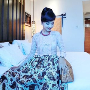 Good Morning!  Start the day with smile and full of confidence. You never know how God will say hello to you today.. My Javanese Princess outfit for Puput's wedding detail already up on my blog! You may click bit.ly/JavanesePrincess to catch up!  Have a great 1st day back to work, everyone 😘🌻 #sofiadewifashiondiary #sofiadewico #batikchic #batikmodern #javaneseprincess #houseofkitsu #ootd #ootdindo #wearitloveit #lookbookindonesia #casioind #clozette @clozetteid #clozetteid #clozetteambassador #clozettegirl #fashionporn #fashionworld #ootd #weddingreceptiondress