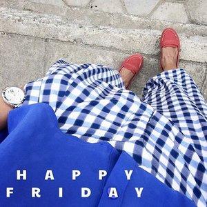 Enjoy the rest of Friday... 🌸  #clozetteid #swanstwenty #sofiadewifashiondiary #sofiadewi #friday #tartan #fashionid #ootdindo #ootd