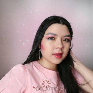 Hai glowers! ❤ Salam glowing!  Kali ini aku dan teman-teman dr @Glowbeautysquad berkolaborasi bikin makeup Rainbow Unicorn.  Jangan lupa swipe untuk lihat hasil makeup temen-temen lainnya atau kalian bisa juga cek disini #RAINBOWUNICORN ❤️✨ _ @glowbeautysquad #GlowBeautySquad #ReviewGlowers #GBScollaboration #GBSCollab #clozetteid