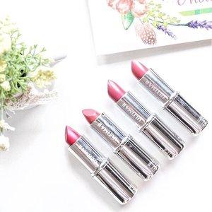 Ultima II sekarang koleksi Delicate Lipstick yang didominasi dengan warna-warna bold loch. Buat kamu pecinta bold lipstick, jangan lupa cek review dan swatches aku tentang koleksi #DelicateLipstick di bit.ly/delicatelipstick.  @ultima_id #redlipstick #lipstick #boldlipstick #lipstickcollection #makeup #makeupcollection #makeuplovers #makeupjunkie #ultimaii #clozetteid