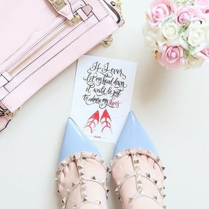 Whenever I turn my head down, I see more than a pair of shiny shoes. These shoes are my guide, my wings. These pair will tell people where I've been, where I currently am and where I'm going next 😙😚😘. Postcards is from @cleo_ind ..#beauty #fashion #quotes #todayquotes #CLEOquiz #CleoBeauty #CLEOcelebr8 #clozetteid